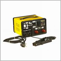 Зарядні і пуско-зарядні пристрої